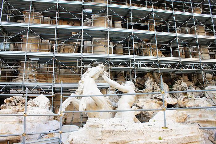 trevi-fountain-construction-restoration
