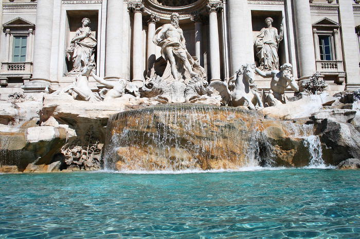 trevi-fountain-water