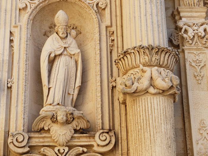 duomo-lecce-facade-statues