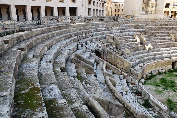 roman-amphitheater-lecce-puglia