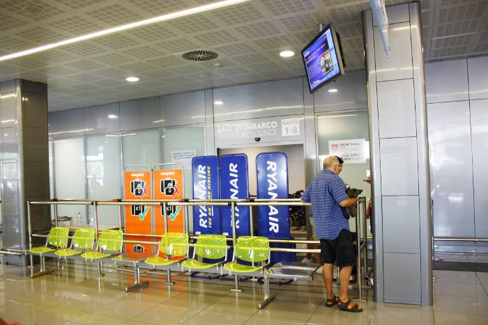 airport-salento-brindisi-gates