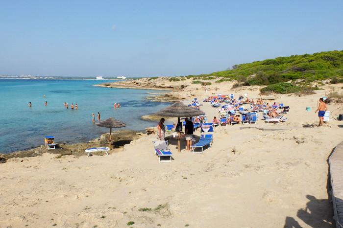 punta-della-suina-puglia-beach