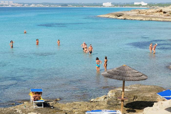 punta-della-suina-salento-beach
