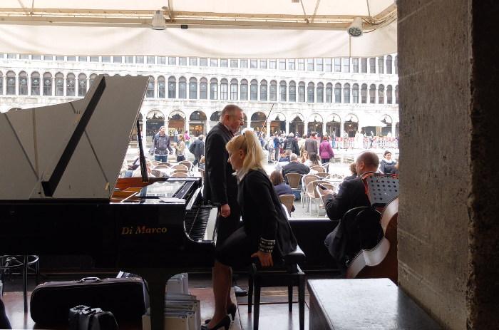 cafe-florian-venice-italy-orchestra