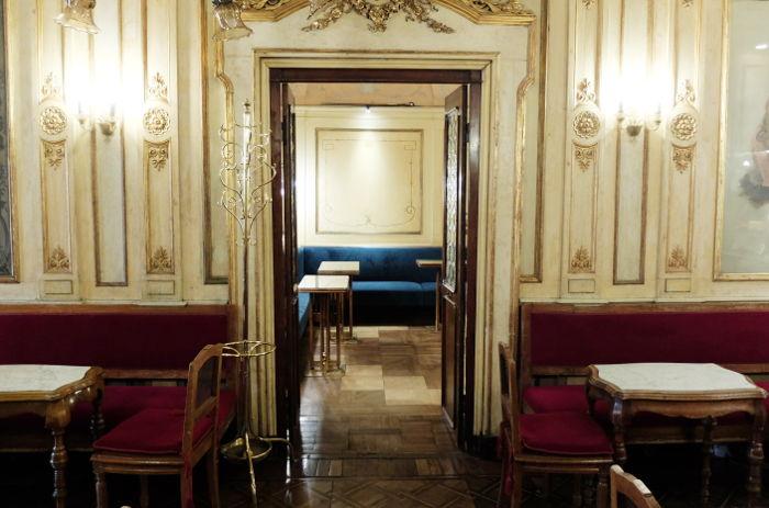 caffe-florian-interior-venice-italy