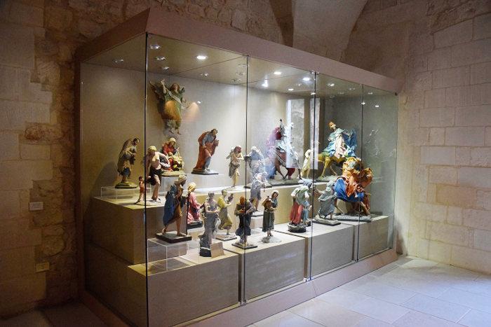 carlo-v-castel-lecce-papier-mache-museum