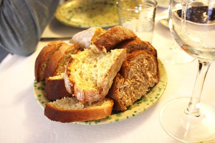 restaurant-cibus-bread